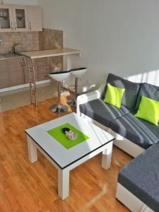 Apartment 18, Apartmány  Bijeljina - big - 14
