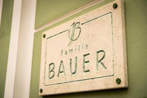 Weingut Familie Bauer, Affittacamere  Großriedenthal - big - 17