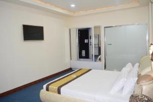 999 Hotel, Hotely  Angeles - big - 8