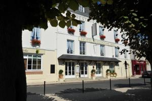 Logis Hotel Beaudon, Hotely  Pierrefonds - big - 1