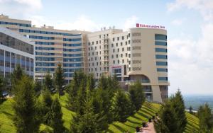 Гостиницы рядом с Памятником Салавату Юлаеву в Уфе