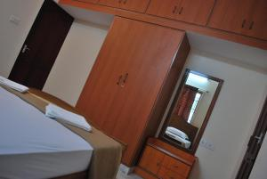 ARS Nest Serviced Apartments, Apartments  Chennai - big - 16