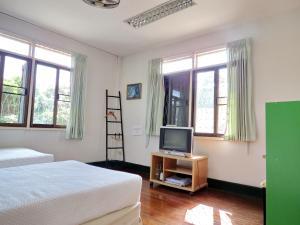 Baan Rub Aroon Guesthouse, Гостевые дома  Чианграй - big - 9