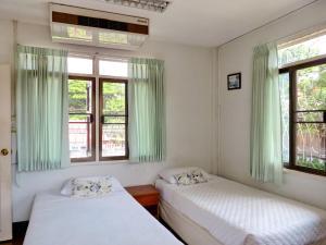 Baan Rub Aroon Guesthouse, Гостевые дома  Чианграй - big - 11