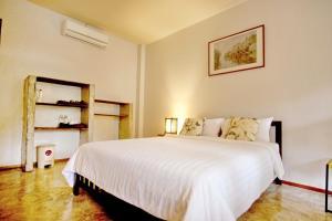 Baan Rub Aroon Guesthouse, Гостевые дома  Чианграй - big - 7