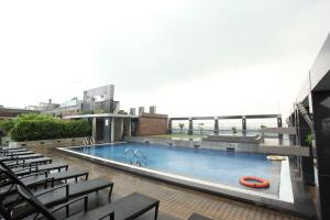 Dhaka Regency Hotel & Resort L..