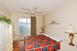 Two-Bedroom Apartment 1104 with Sea View