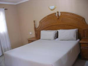 Gloria's Bed and Breakfast, Bed & Breakfast  Livingstone - big - 61