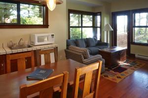 Middle Beach Lodge, Chaty  Tofino - big - 23