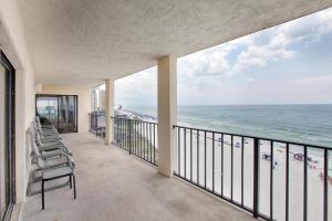One-Bedroom Apartment with Sea View 801