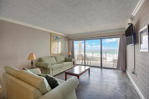 Two-Bedroom Apartment with Sea View 406
