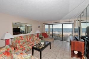 Two-Bedroom Apartment with Sea View 506