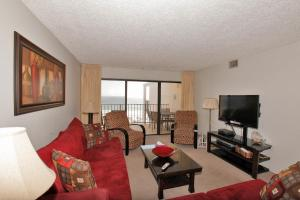 Two-Bedroom Apartment with Sea View 807