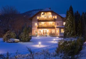 Hotel Honti, Hotels  Visegrád - big - 37