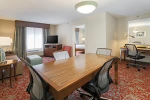 Hilton Garden Inn Nanuet, Отели  Нанует - big - 14