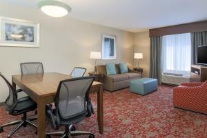 Hilton Garden Inn Nanuet, Отели  Нанует - big - 5