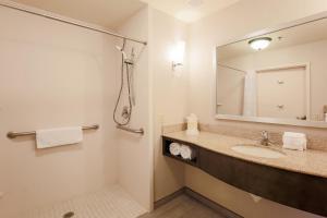 Hilton Garden Inn Nanuet, Отели  Нанует - big - 15