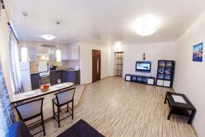 Home Hotel On Lenina 162, Apartmanok  Ufa - big - 1