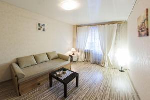 Home Hotel On Lenina 162, Apartmanok  Ufa - big - 4