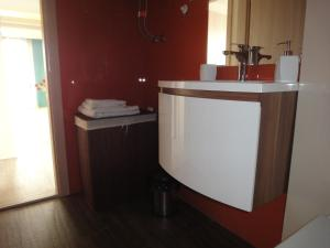 Joan Apartments & Spa, Appartamenti  Skopje - big - 66