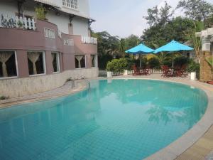 Diamond Hotel and Resort