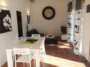 La Villa De Port-Miou, Apartmanok  Cassis - big - 6