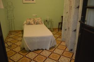 Casa Rural Puerta del Sol, Bed & Breakfast  Arcos de la Frontera - big - 28