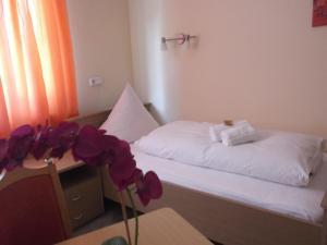 Haus Sonnenschein, Hotels  Monheim - big - 11
