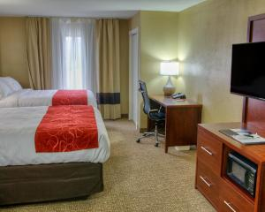 Queen Suite with 2 Queen Beds and Sofa Bed - Non Smoking