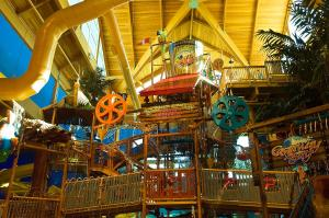 Cedar Point Castaway Bay Indoor Water Park, Hotely  Sandusky - big - 48