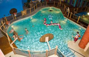 Cedar Point Castaway Bay Indoor Water Park, Hotely  Sandusky - big - 32