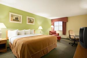 Travelodge Sturgis- Michigan, Motels  Sturgis - big - 7
