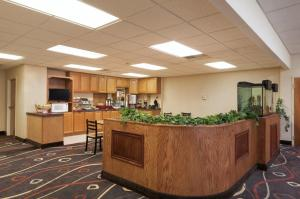 Travelodge Sturgis- Michigan, Motels  Sturgis - big - 23