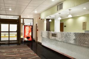 Travelodge Sturgis- Michigan, Motels  Sturgis - big - 26