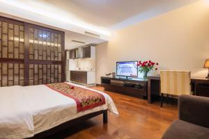 Mainland Chinese Citizens - Deluxe Double Room with City View