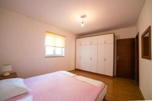 Apartments Bella, Apartmány  Novalja - big - 50