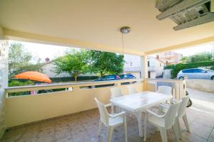 Apartments Bella, Apartmány  Novalja - big - 41