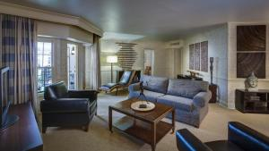 Executive Parlor Room Queen Murphy Bed Only - Atrium