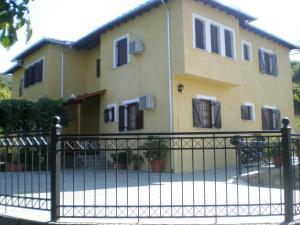 Olga Studios, Guest houses  Tsagarada - big - 1