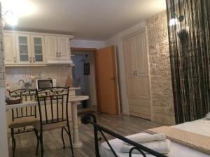 Old Town Apartment, Apartmány  Šibenik - big - 68