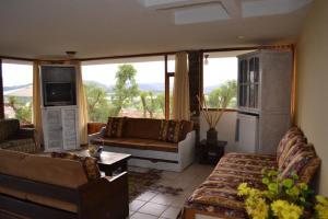 Miravalle Suites, Inns  Paipa - big - 12