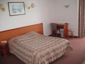 Hotel Les Arcades, Hotely  Saint-Cast-le-Guildo - big - 15