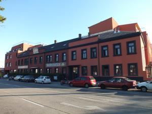 Hotel Fabrik Vösendorf, Szállodák  Vösendorf - big - 21