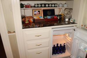 The Sleigh Maker Inn Bed and Breakfast, Panziók  Westborough - big - 26