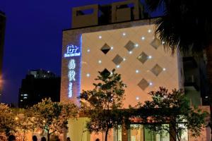 Grand Crystal Hotel