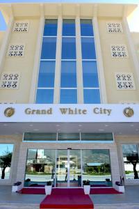 Grand White City Hotel, Отели  Берат - big - 35