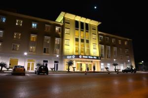 Grand White City Hotel, Отели  Берат - big - 31