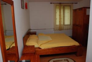 Cabana Brusturet, Holiday homes  Dîmbovicioara - big - 6
