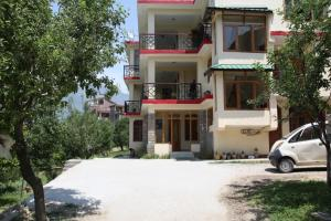 Malis Apple Lodge, Bed and breakfasts  Nagar - big - 28