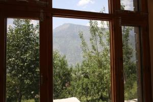 Malis Apple Lodge, Bed and breakfasts  Nagar - big - 30